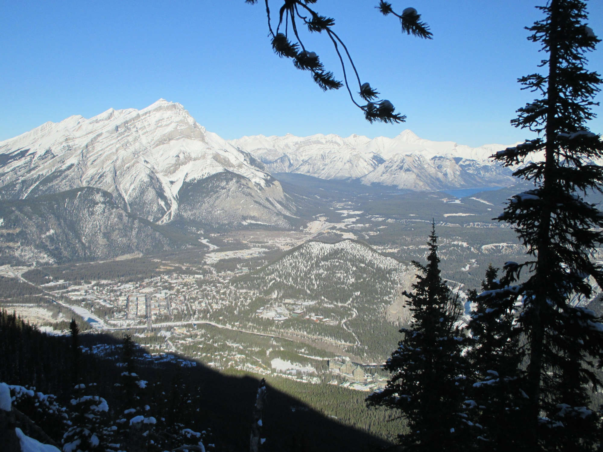 Cascade Mountain, Banff und Lake Minnewanka.
