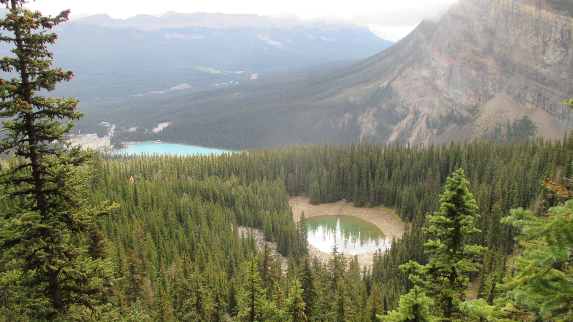 Lake Louise und der Mirror Lake.